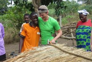 Felix Gottwald hilft bei Aufforstung