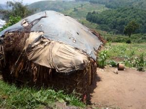 Batwa Hütte