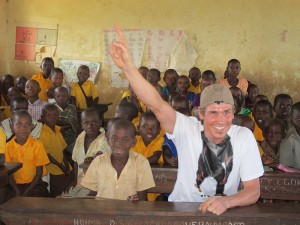 Felix Gottwald spendet für Schulbau