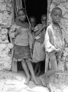 Batwa Kinder – fotografiert von Fritz Ofner